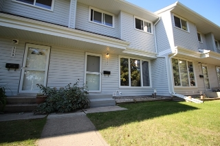 Main Photo: 3141 109 Street in Edmonton: Zone 16 Townhouse for sale : MLS® # E4079629