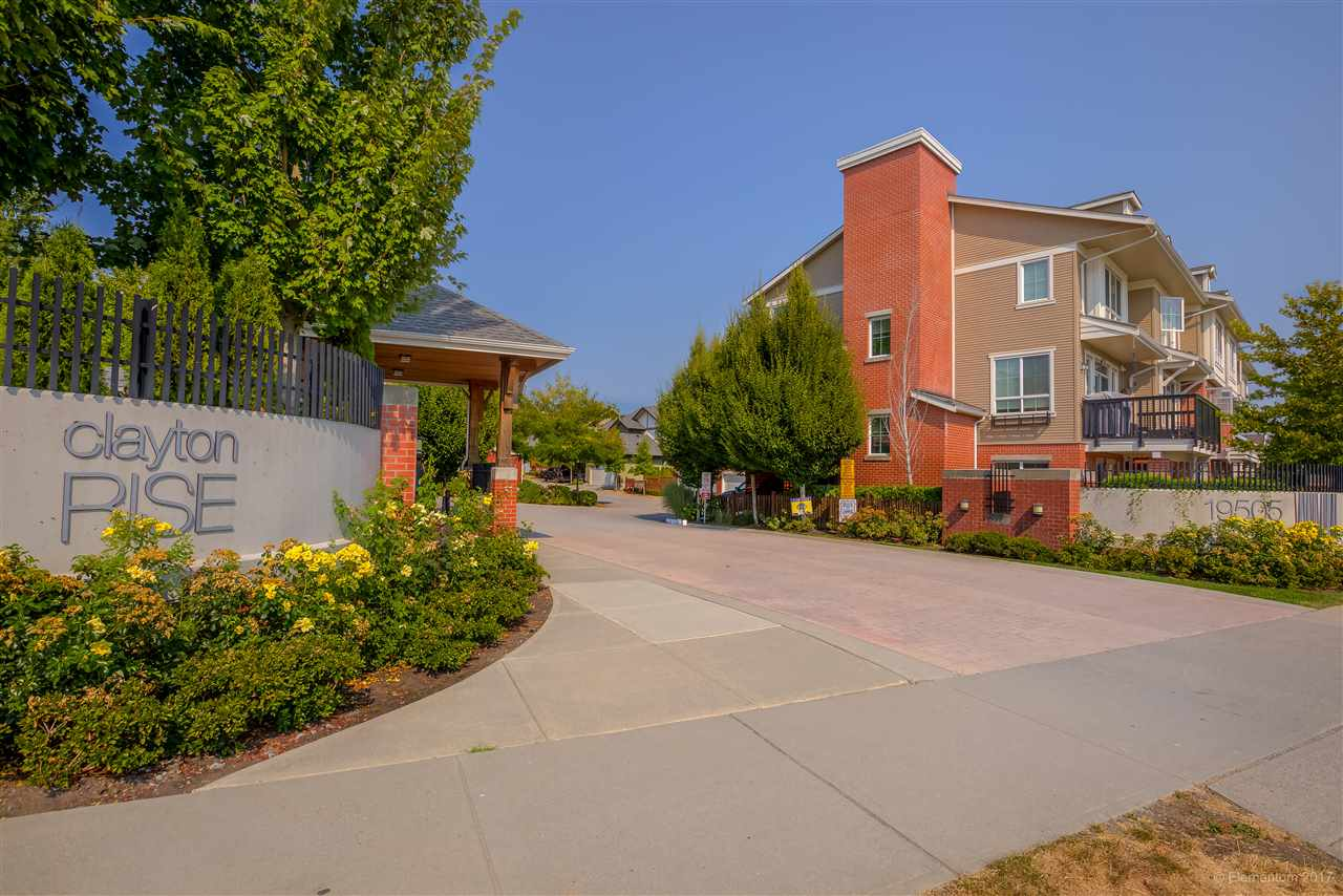 "Main Photo: 25 19505 68A Avenue in Surrey: Clayton Townhouse for sale in ""Clayton Rise"" (Cloverdale)  : MLS®# R2202362"