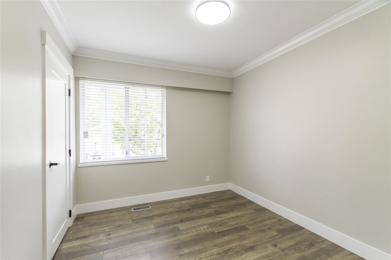 Photo 11: 644 CYPRESS Street in Coquitlam: Central Coquitlam House for sale : MLS® # R2205380