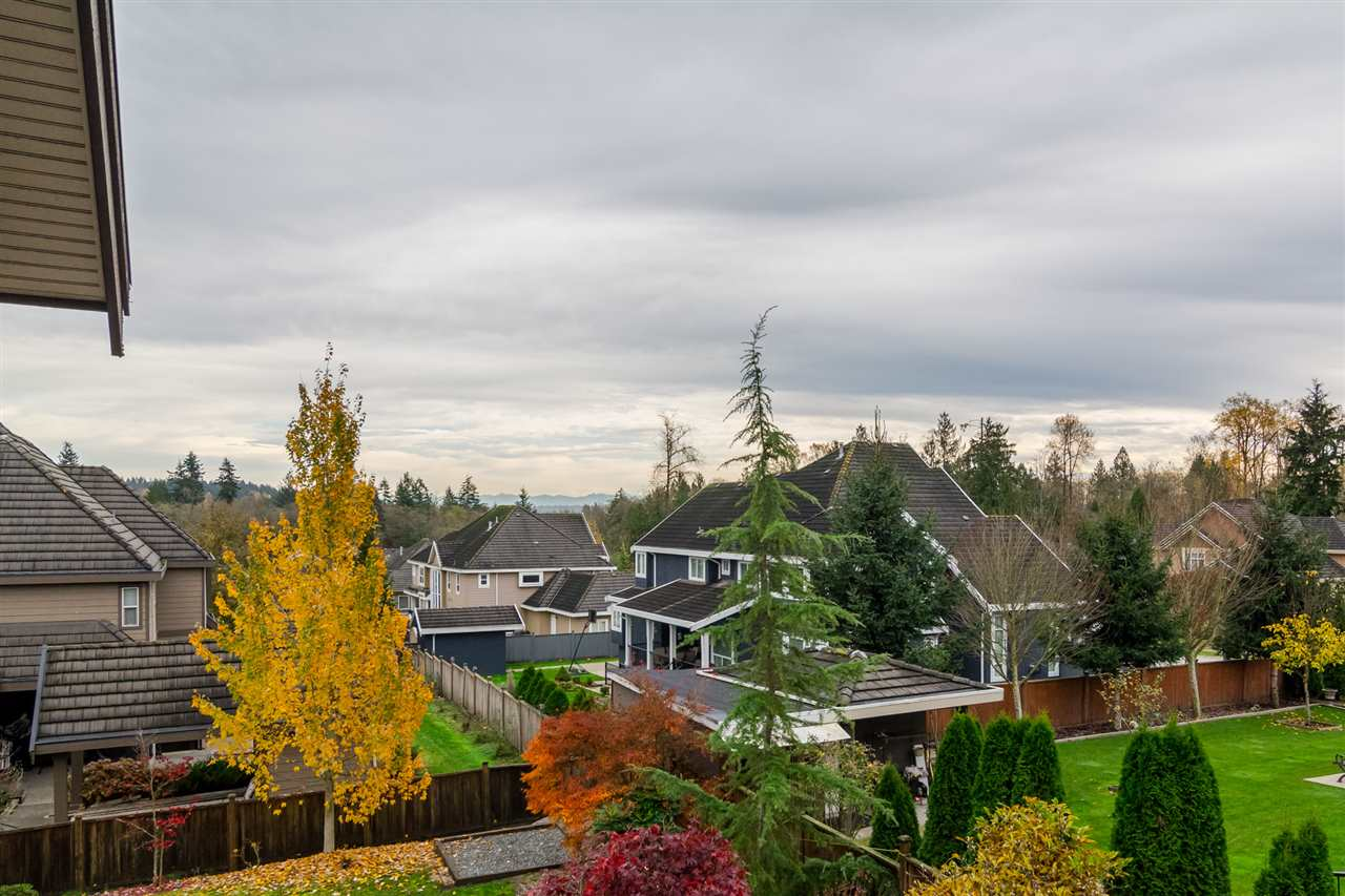 Photo 18: Photos: 16456 93B Avenue in Surrey: Fleetwood Tynehead House for sale : MLS® # R2235104