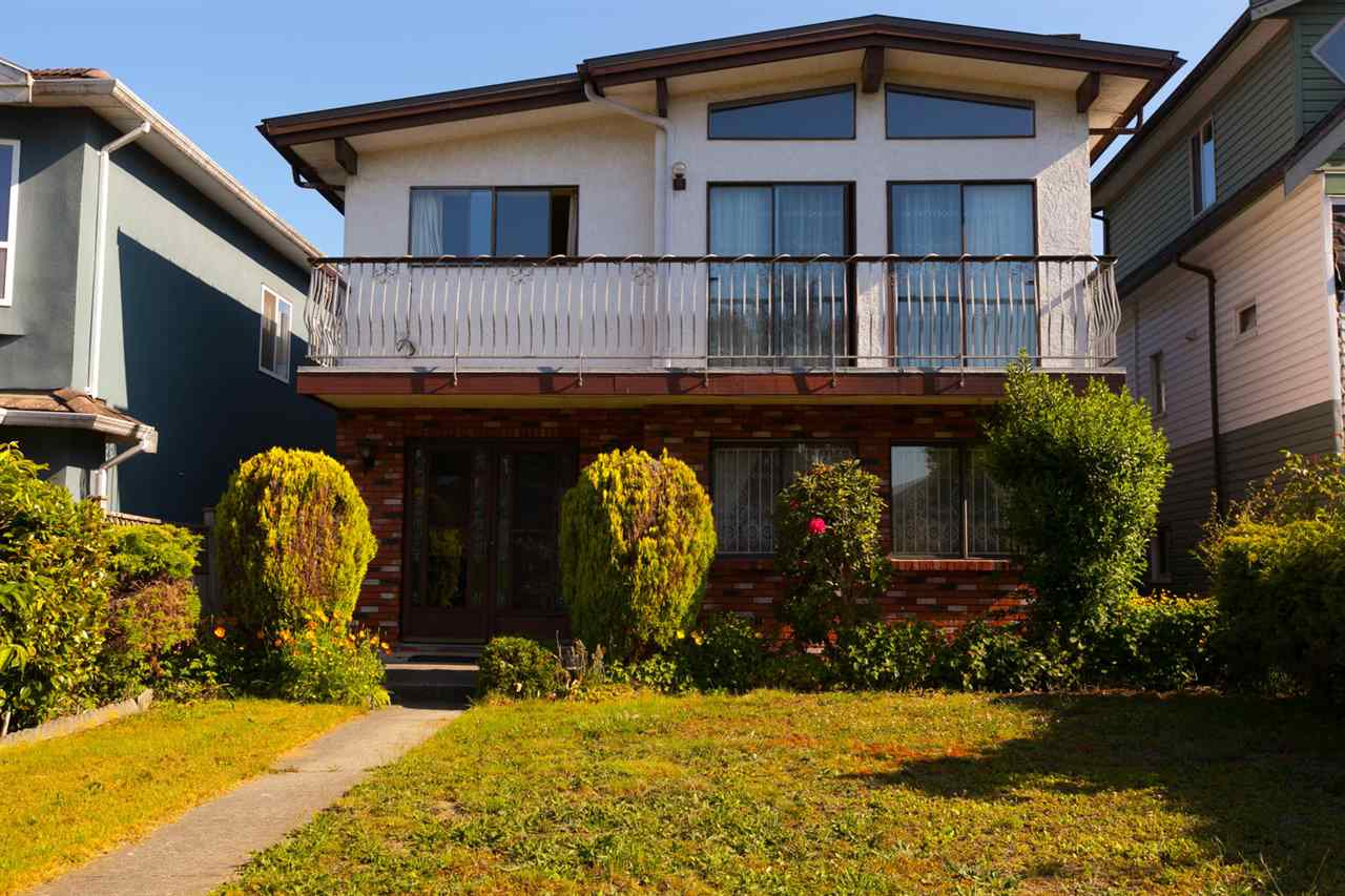 "Main Photo: 2249 E 11TH Avenue in Vancouver: Grandview VE House for sale in ""GRANDVIEW"" (Vancouver East)  : MLS®# R2277768"