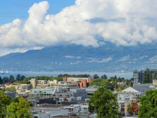 "Main Photo: 906 1650 W 7TH Avenue in Vancouver: Fairview VW Condo for sale in ""Virtu"" (Vancouver West)  : MLS®# R2307388"
