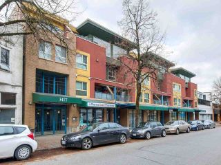"Main Photo: 15 3477 COMMERCIAL Street in Vancouver: Victoria VE Townhouse for sale in ""La Villa"" (Vancouver East)  : MLS®# R2321606"