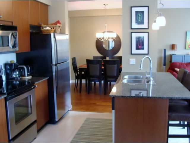 "Photo 5: 207 610 VICTORIA Street in New Westminster: Downtown NW Condo for sale in ""THE POINT"" : MLS(r) # V921216"