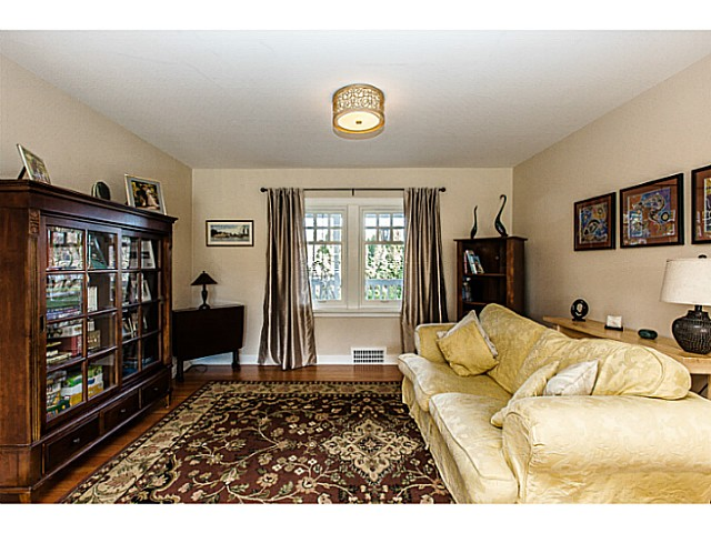 Photo 4: 331 ARBUTUS Street in New Westminster: Queens Park House for sale : MLS® # V1101805