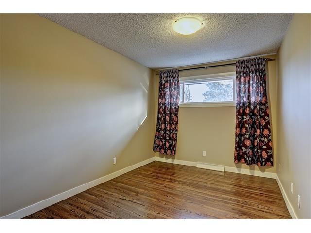 Photo 14: 4704 5 Avenue SW in Calgary: Wildwood House for sale : MLS(r) # C4015444