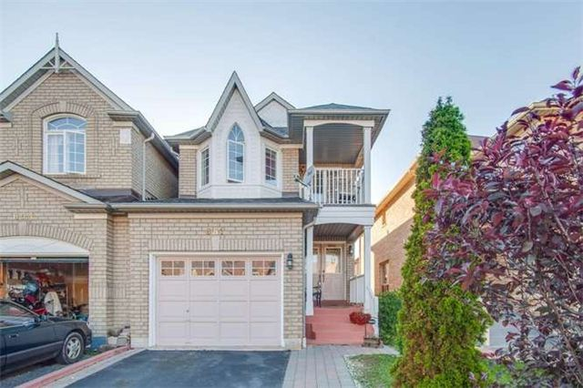 Main Photo: 651 Macbeth Heights in Mississauga: Meadowvale Village House (2-Storey) for sale : MLS(r) # W3237688