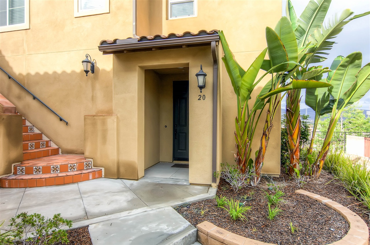 Photo 3: CHULA VISTA Townhome for sale : 4 bedrooms : 2236 Antonio Dr.