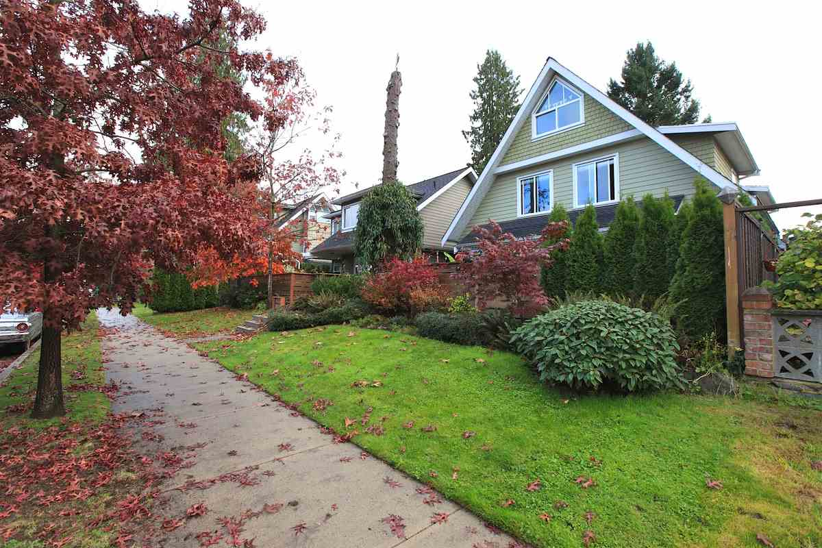 Photo 20: 1612 ST. ANDREWS Avenue in North Vancouver: Central Lonsdale House 1/2 Duplex for sale : MLS® # R2011272