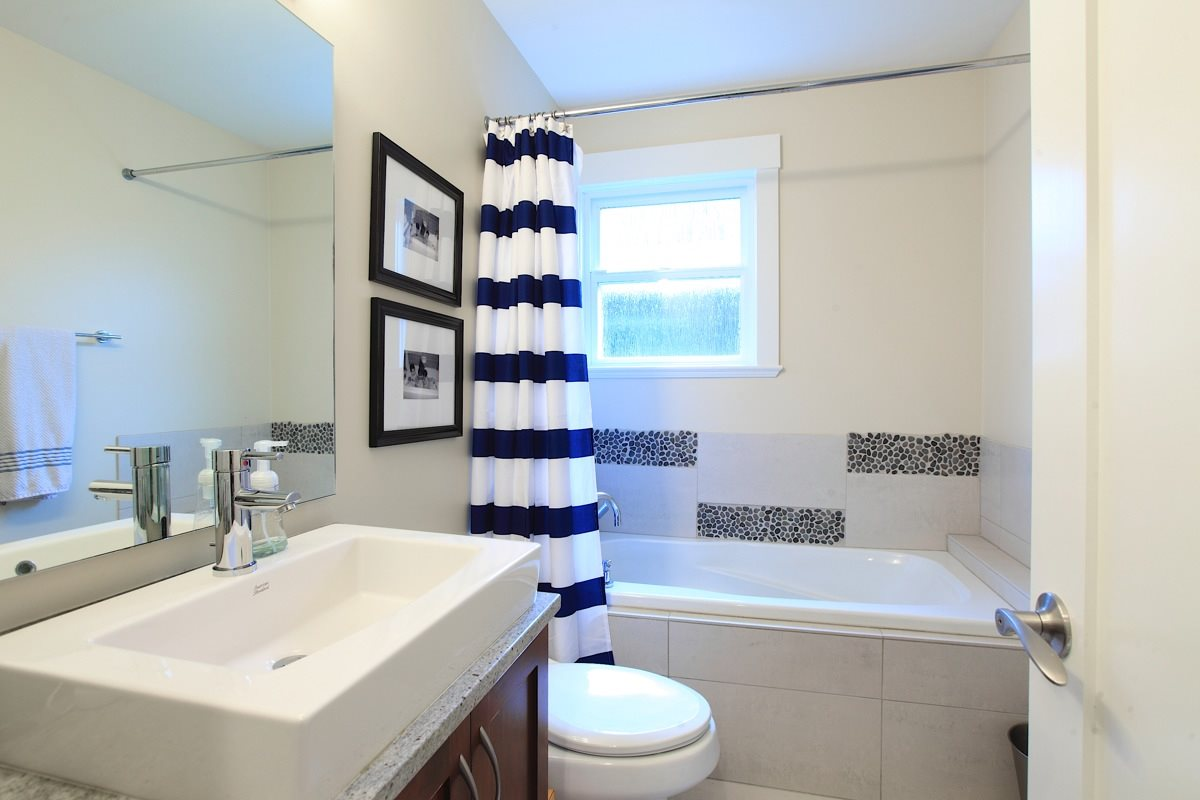 Photo 13: 1612 ST. ANDREWS Avenue in North Vancouver: Central Lonsdale House 1/2 Duplex for sale : MLS® # R2011272