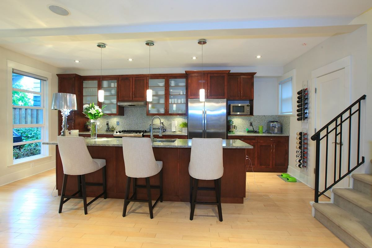 Photo 5: 1612 ST. ANDREWS Avenue in North Vancouver: Central Lonsdale House 1/2 Duplex for sale : MLS® # R2011272