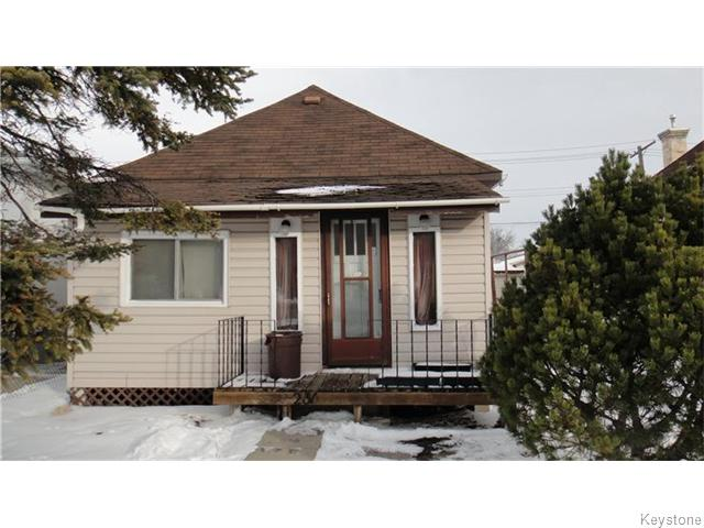 Main Photo: 231 Royal Avenue in WINNIPEG: West Kildonan / Garden City Residential for sale (North West Winnipeg)  : MLS(r) # 1530810