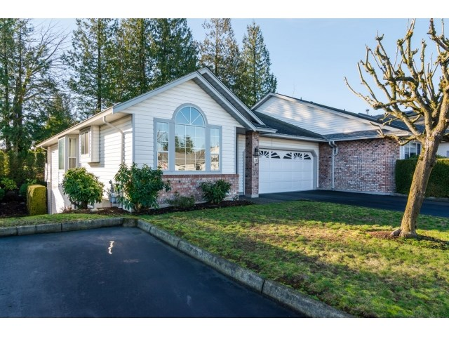 "Main Photo: 36 33922 KING Road in Abbotsford: Poplar Townhouse for sale in ""Kingsview Estates"" : MLS®# R2032286"