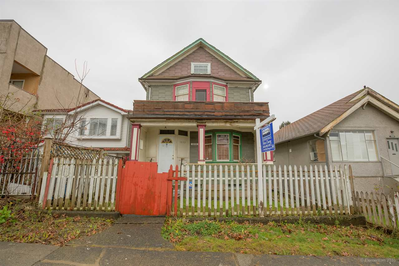 Main Photo: 1632 E 4TH Avenue in Vancouver: Grandview VE House for sale (Vancouver East)  : MLS® # R2033291