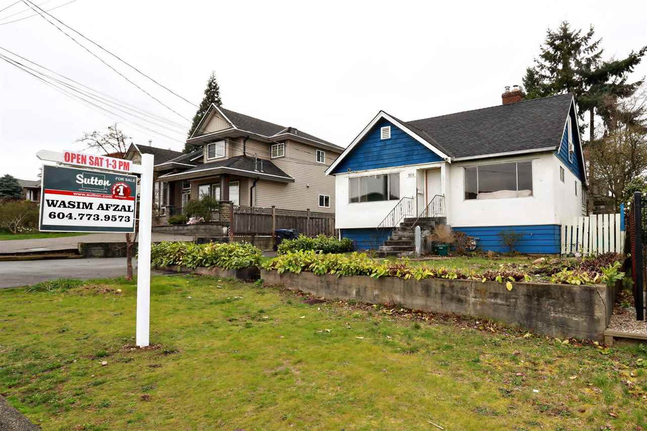 Main Photo: 2219 DUBLIN Street in New Westminster: Connaught Heights House for sale : MLS® # R2041786