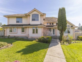 "Main Photo: 7952 144 Street in Surrey: Bear Creek Green Timbers House for sale in ""BRITISH MANOR"" : MLS® # R2049712"
