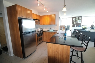 "Main Photo: 1804 1199 SEYMOUR Street in Vancouver: Downtown VW Condo for sale in ""BRAVA"" (Vancouver West)  : MLS® # R2058991"