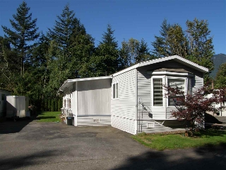 Main Photo: 5 62010 FLOOD HOPE Road in Hope: Hope Center Manufactured Home for sale : MLS® # R2078381