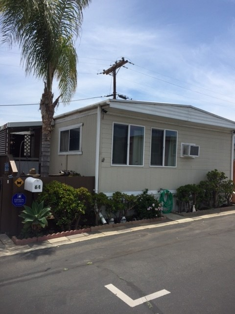 Main Photo: ENCINITAS Manufactured Home for sale : 2 bedrooms : 699 N Vulcan Avenue #64