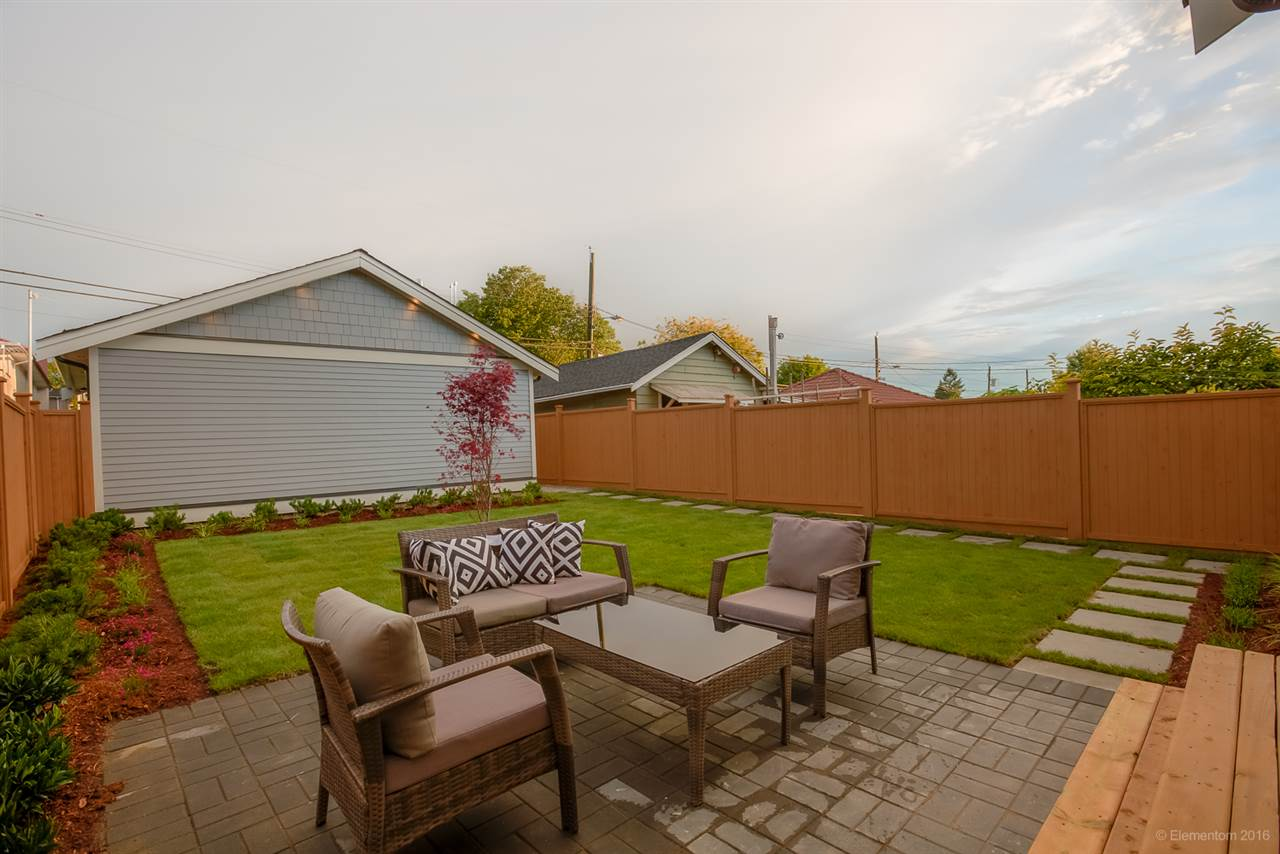 Photo 19: 1306 E 27 Avenue in Vancouver: Knight House 1/2 Duplex for sale (Vancouver East)  : MLS® # R2088302