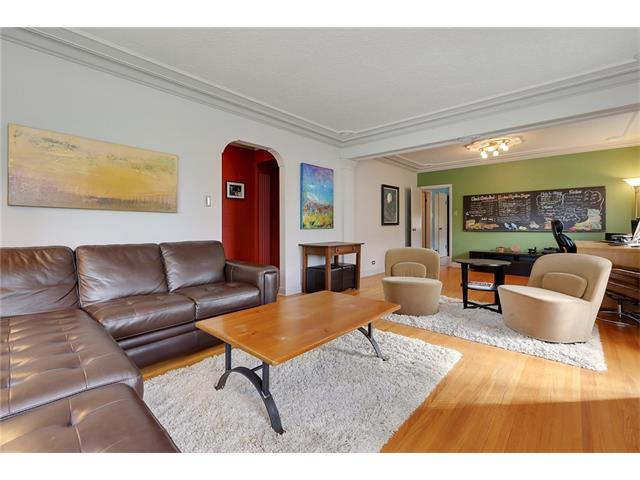 Photo 4: 2719 16 Avenue SW in Calgary: Shaganappi House for sale : MLS® # C4077078