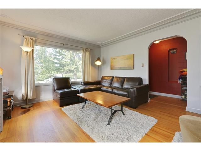 Photo 3: 2719 16 Avenue SW in Calgary: Shaganappi House for sale : MLS® # C4077078