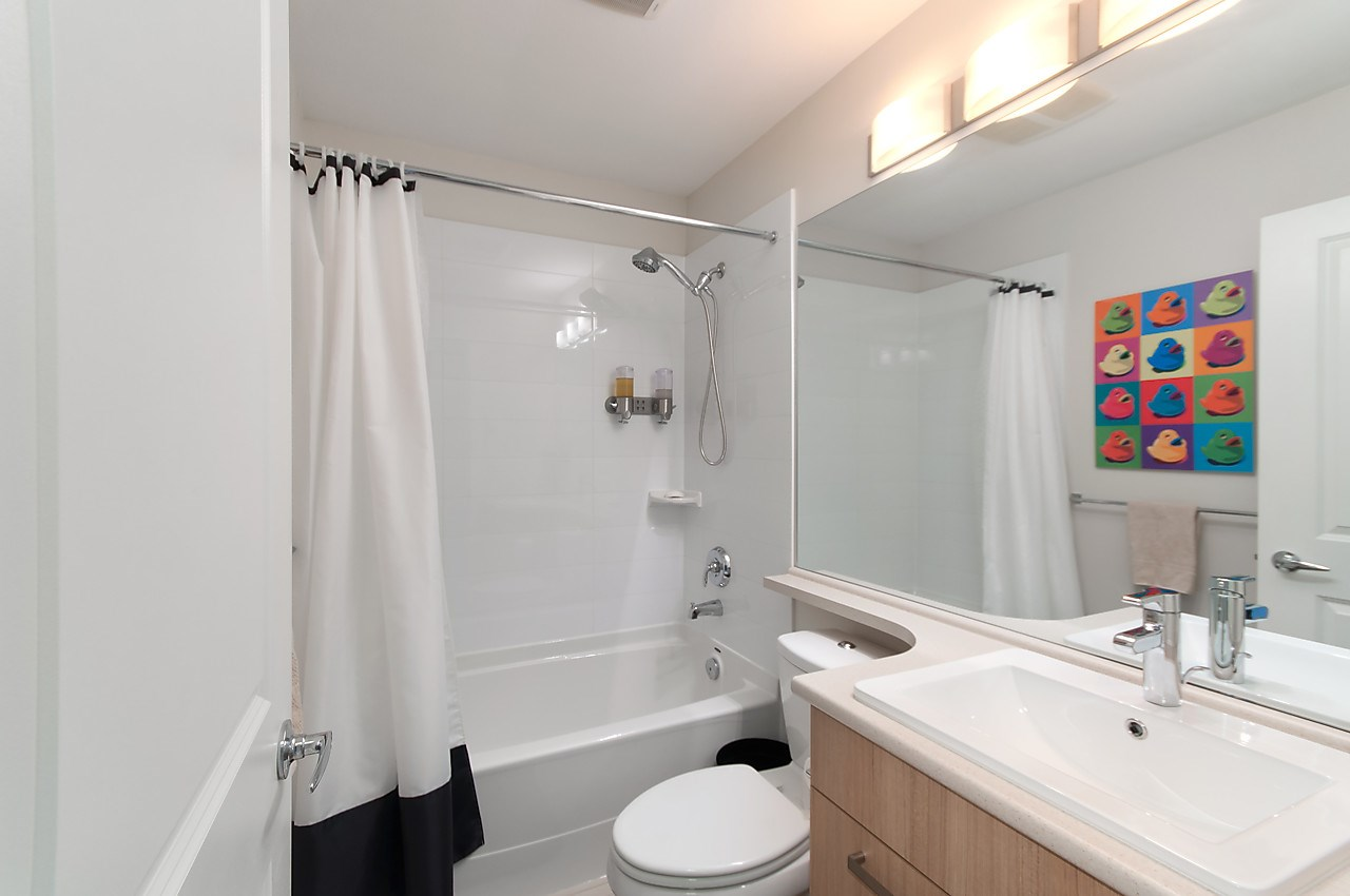 "Photo 17: 82 14838 61 Avenue in Surrey: Sullivan Station Townhouse for sale in ""SEQUOIA"" : MLS® # R2107237"