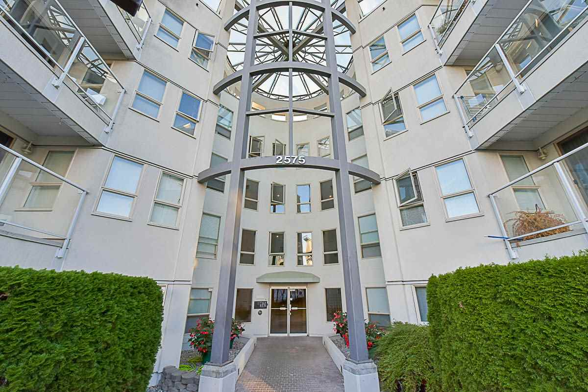 Main Photo: 409 2575 WARE Street in Abbotsford: Central Abbotsford Condo for sale : MLS® # R2107631