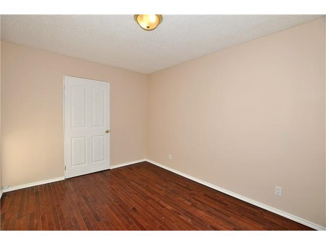 Photo 5: 76 MIDRIDGE Bay SE in Calgary: Midnapore House for sale : MLS(r) # C4094189