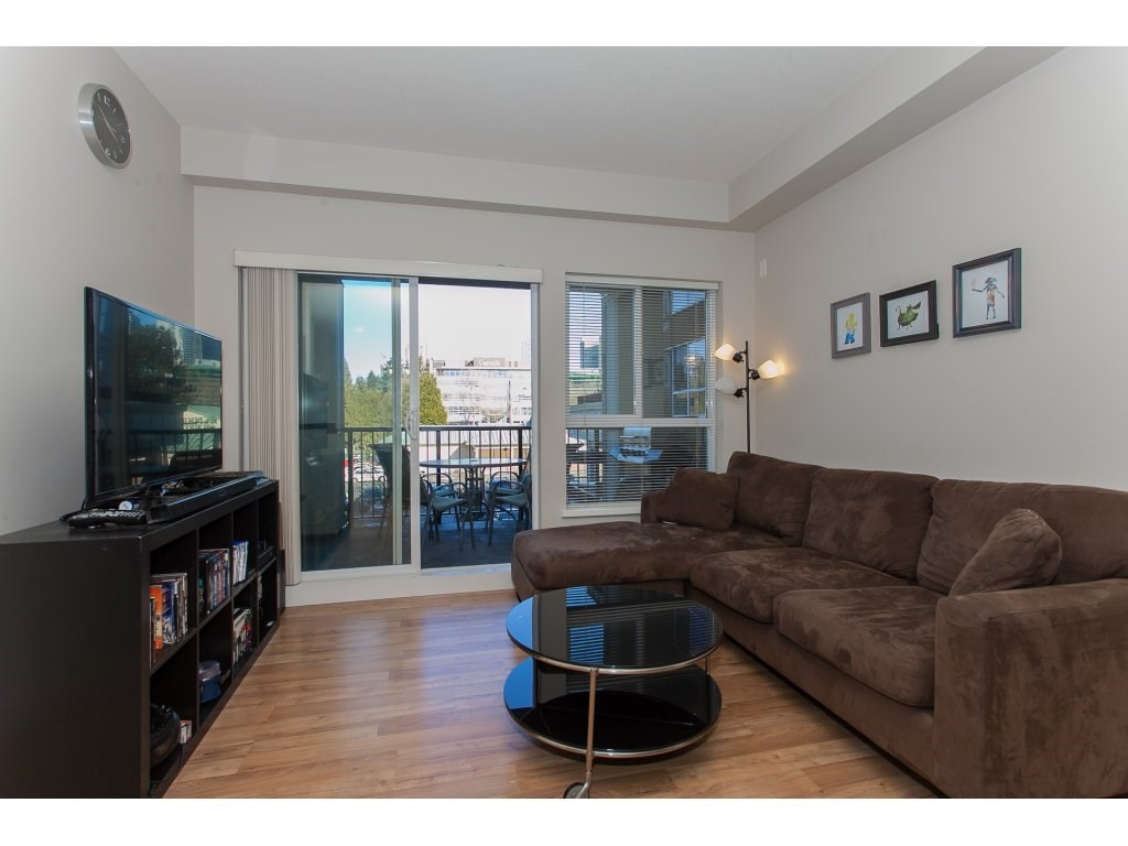 "Photo 4: 322 9655 KING GEORGE Boulevard in Surrey: Whalley Condo for sale in ""GRUV"" (North Surrey)  : MLS(r) # R2134761"