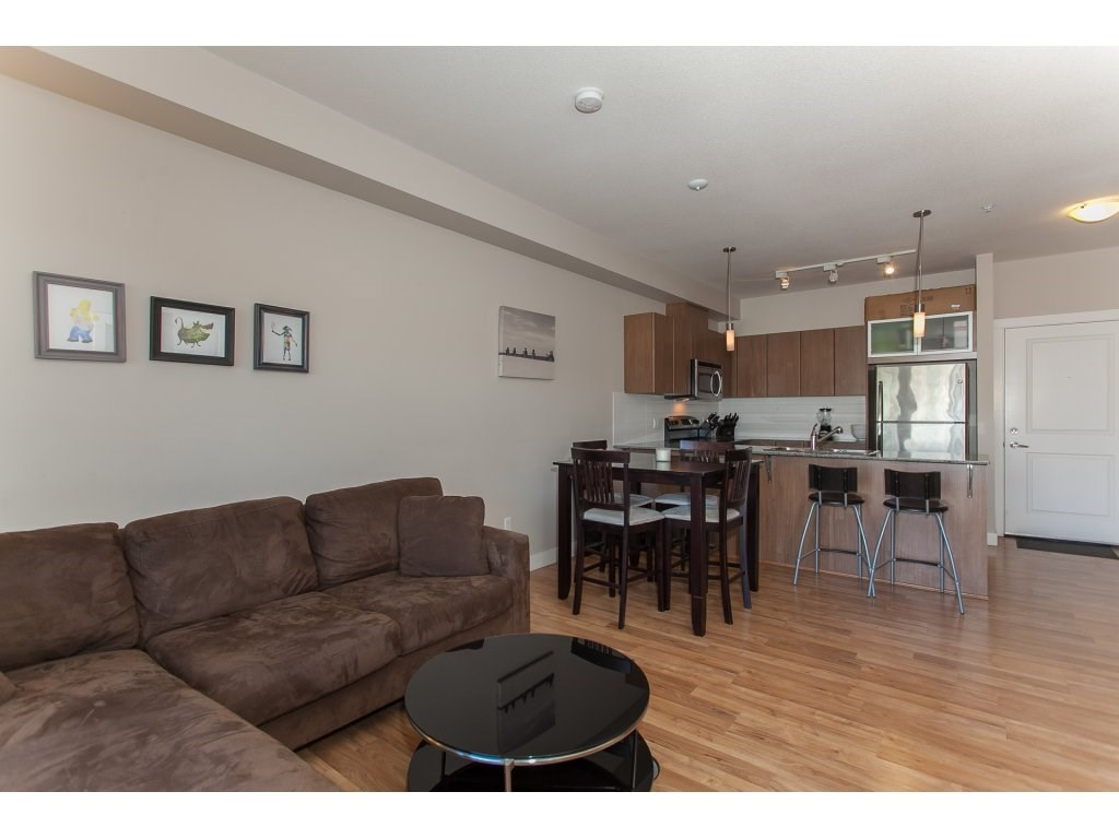 "Photo 6: 322 9655 KING GEORGE Boulevard in Surrey: Whalley Condo for sale in ""GRUV"" (North Surrey)  : MLS(r) # R2134761"