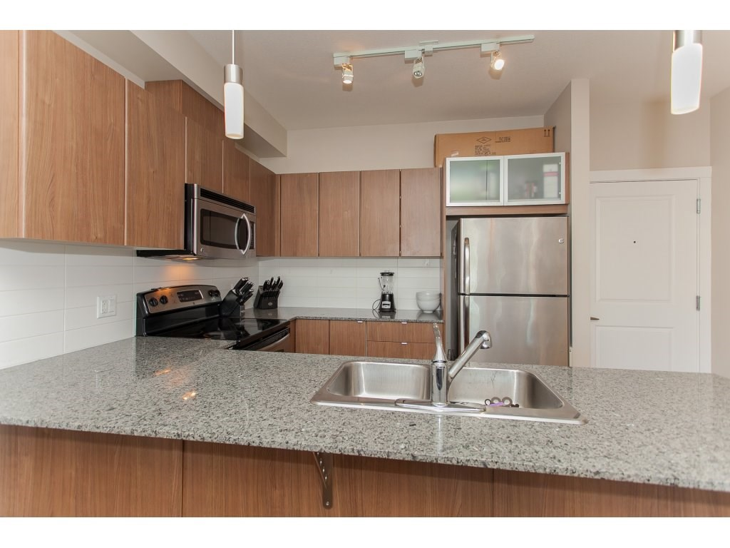 "Photo 9: 322 9655 KING GEORGE Boulevard in Surrey: Whalley Condo for sale in ""GRUV"" (North Surrey)  : MLS(r) # R2134761"
