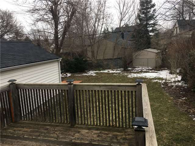 Photo 17: 27 Edgecroft Road in Toronto: Stonegate-Queensway House (Bungalow) for lease (Toronto W07)  : MLS(r) # W3733128