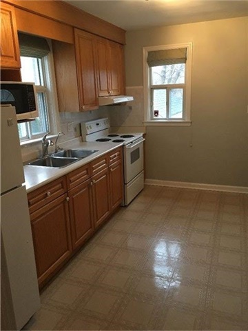 Photo 9: 27 Edgecroft Road in Toronto: Stonegate-Queensway House (Bungalow) for lease (Toronto W07)  : MLS(r) # W3733128