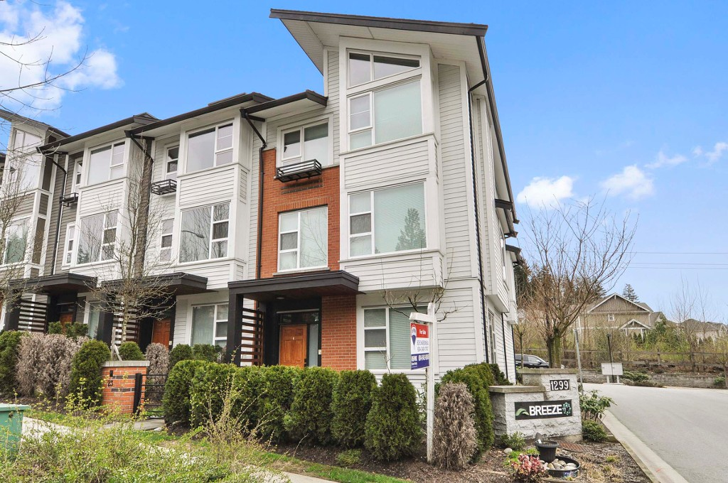 "Main Photo: 23 1299 COAST MERIDIAN Road in Coquitlam: Burke Mountain Townhouse for sale in ""THE BREEZE"" : MLS®# R2152588"