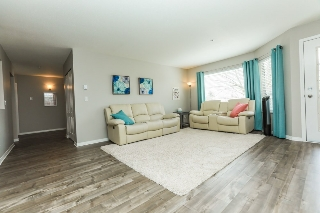 "Main Photo: 205 19236 FORD Road in Pitt Meadows: Central Meadows Condo for sale in ""EMERALD PARK"" : MLS(r) # R2155140"
