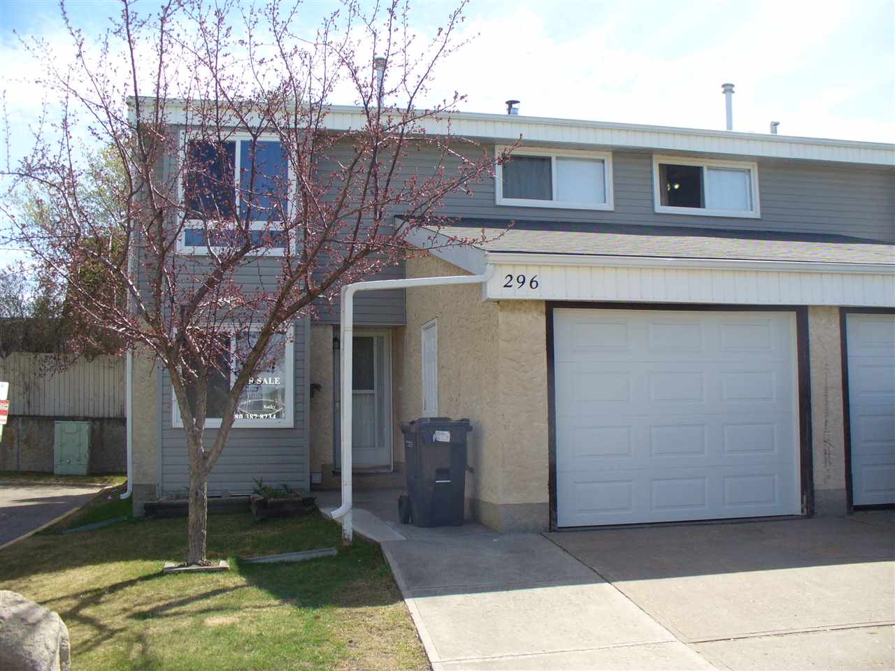 Main Photo: 296 GRANDIN VG: St. Albert Townhouse for sale : MLS® # E4062979