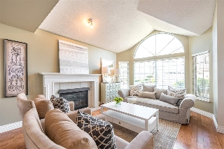 "Main Photo: 429A BROMLEY Street in Coquitlam: Coquitlam East Townhouse for sale in ""SOUTHVIEW ESTATES"" : MLS® # R2164499"