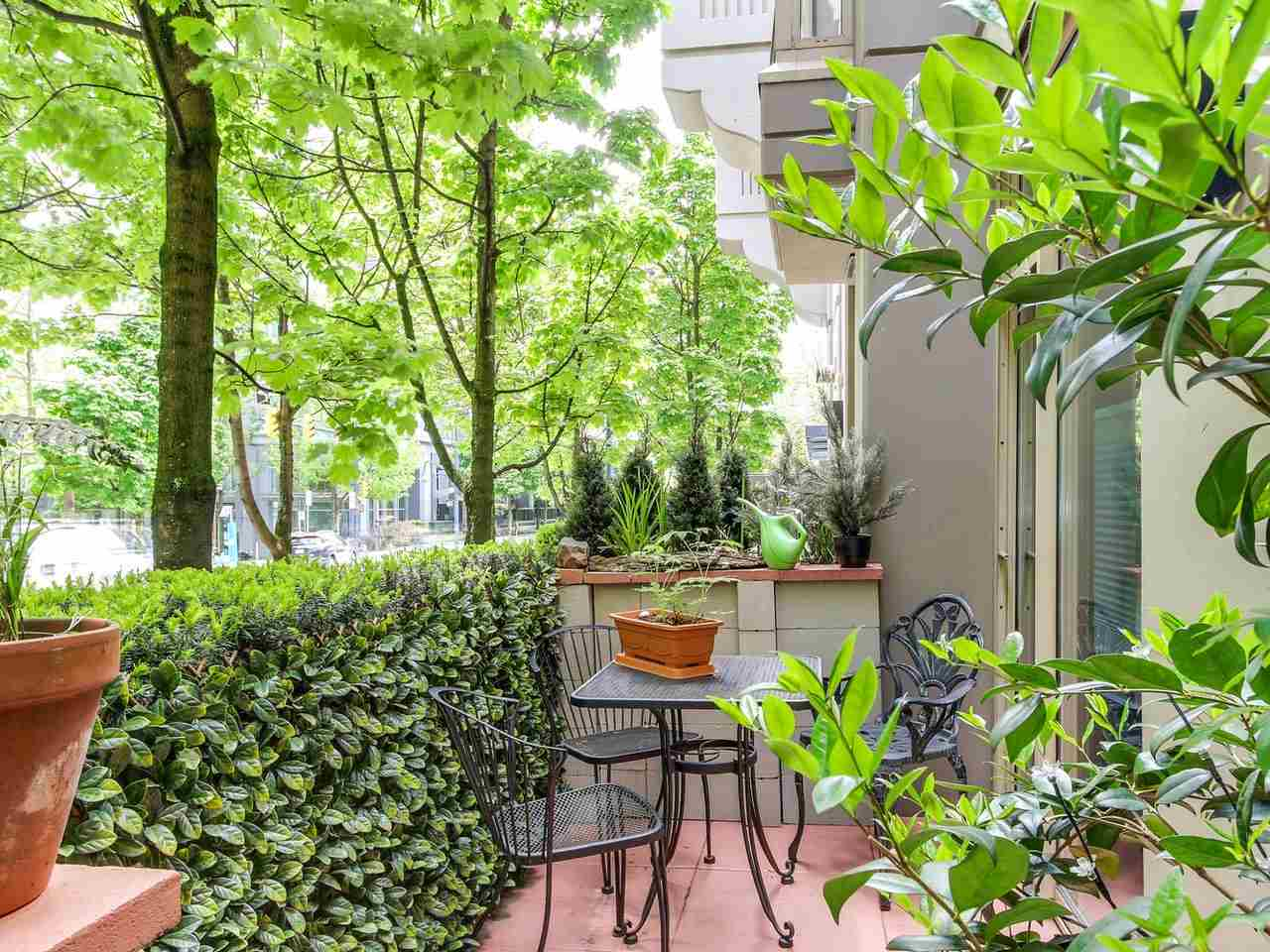 "Photo 3: 985 RICHARDS Street in Vancouver: Downtown VW Townhouse for sale in ""Mondrian"" (Vancouver West)  : MLS(r) # R2169076"