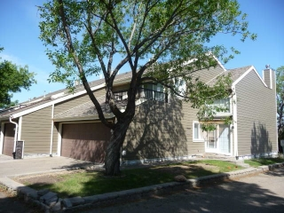 Main Photo: 2741 124 Street in Edmonton: Zone 16 Townhouse for sale : MLS(r) # E4066573