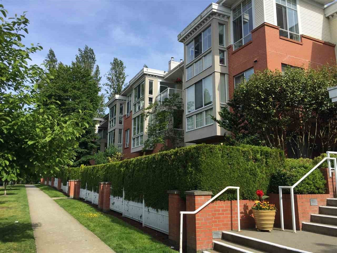 "Main Photo: 403 360 E 36TH Avenue in Vancouver: Main Condo for sale in ""Magnolia Gate"" (Vancouver East)  : MLS®# R2177901"