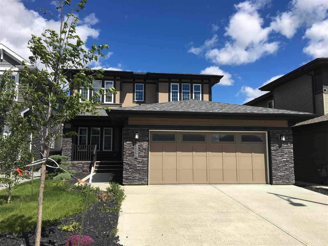 Main Photo: 3258 WINSPEAR Crescent in Edmonton: Zone 53 House for sale : MLS(r) # E4070895