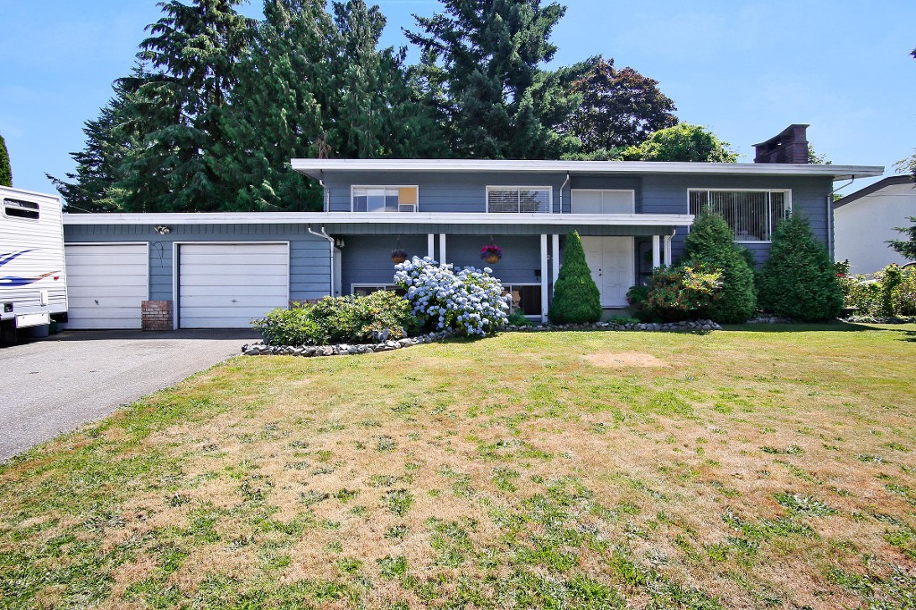 Main Photo: 2308 OTTER Street in Abbotsford: Abbotsford West House for sale : MLS®# R2187483