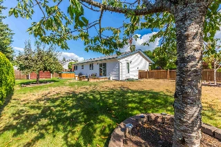 Main Photo: 5609 CURTIS Place in Sechelt: Sechelt District House for sale (Sunshine Coast)  : MLS® # R2205759