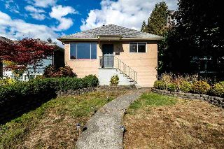 Main Photo: 312 W 21ST Street in North Vancouver: Central Lonsdale House for sale : MLS® # R2211386