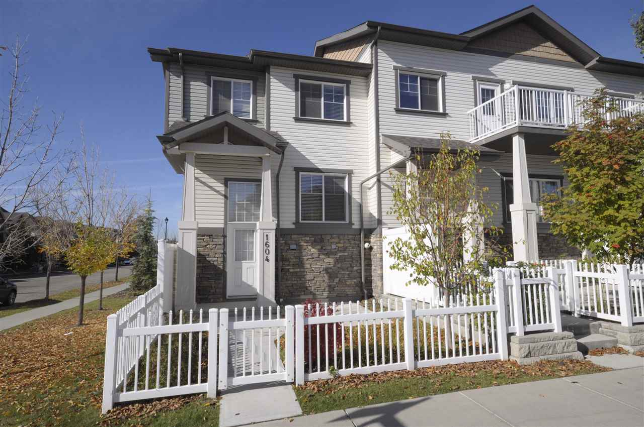 Main Photo: 1604 Towne Centre BV Boulevard in Edmonton: Zone 14 Townhouse for sale : MLS® # E4084493