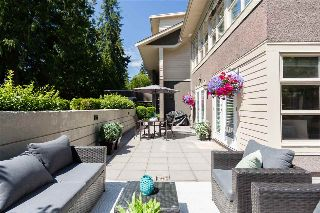"Main Photo: 108 3750 EDGEMONT Boulevard in North Vancouver: Edgemont Townhouse for sale in ""The Manor at Edgemont"" : MLS® # R2214712"