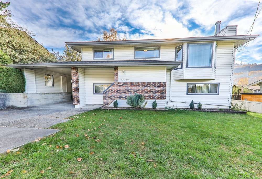 Main Photo: 35356 MCKEE Road in Abbotsford: Abbotsford East House for sale : MLS® # R2218775
