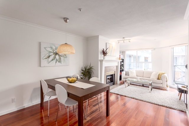 "Main Photo: 305 511 W 7TH Avenue in Vancouver: Fairview VW Condo for sale in ""Beverly Gardens"" (Vancouver West)  : MLS® # R2221770"