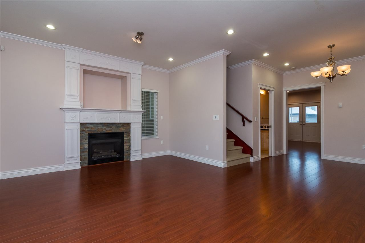 Photo 3: Photos: 18986 72 Avenue in Surrey: Clayton House for sale (Cloverdale)  : MLS® # R2237481